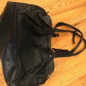 Lululemon Bags - Lululemon All Day Duffel with Yoga Mat Strap